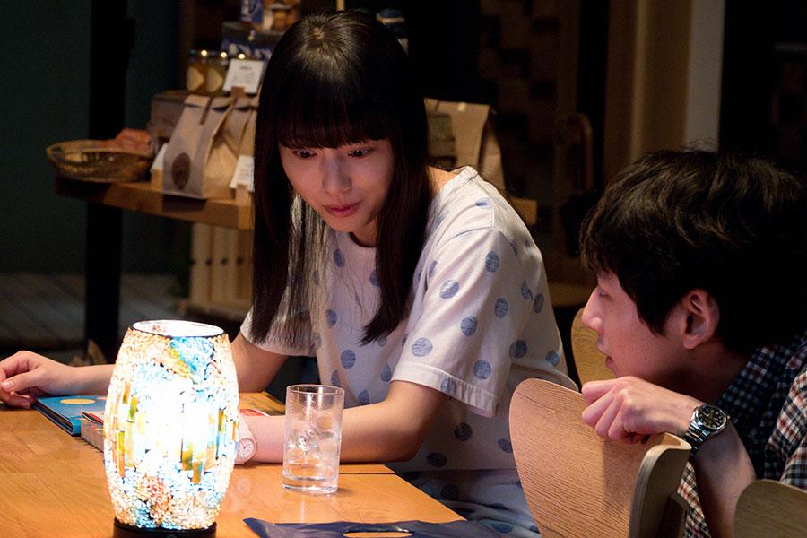 百音(清原果耶)と菅波(坂口健太郎)(C)NHK