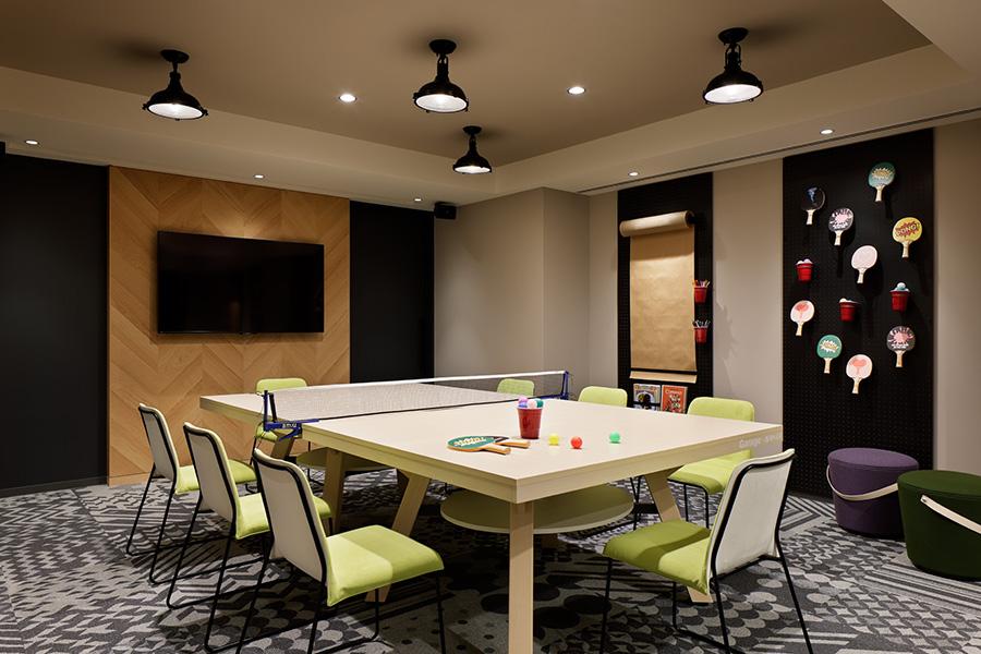 遊び心や創造力を刺激するためのミーティングルーム