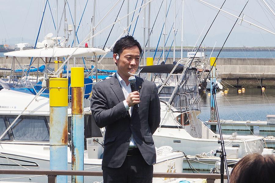 「N GRILL」に期待を込める南出賢一泉大津市長