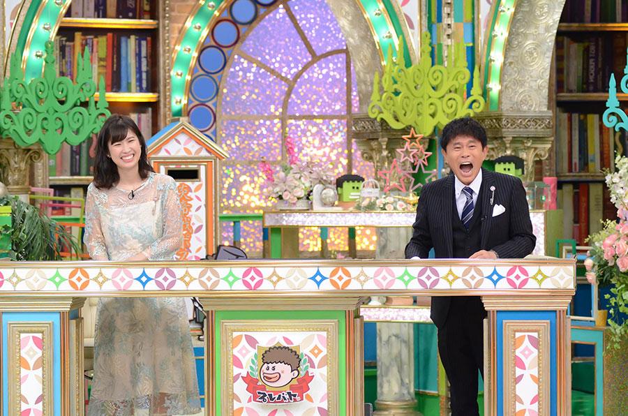 司会の浜田雅功(右)とMBSアナウンサーの玉巻映美(左)(C)MBS
