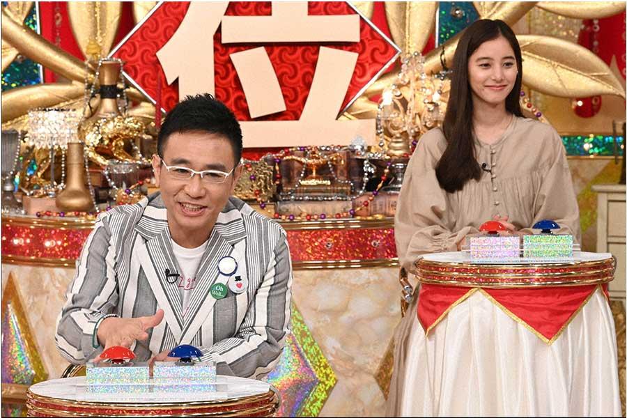 八嶋智人(左)と新木優子(C)ytv