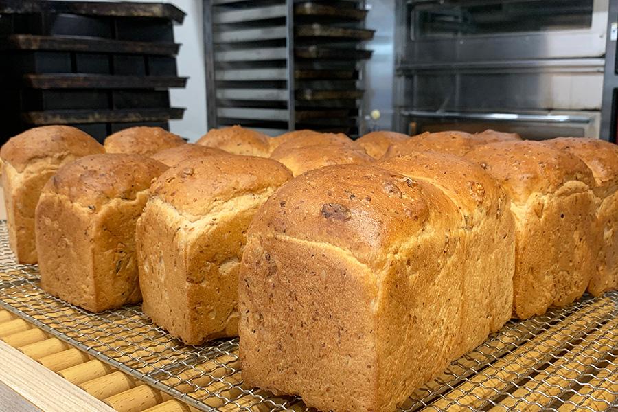 くるみ食パン1斤650円