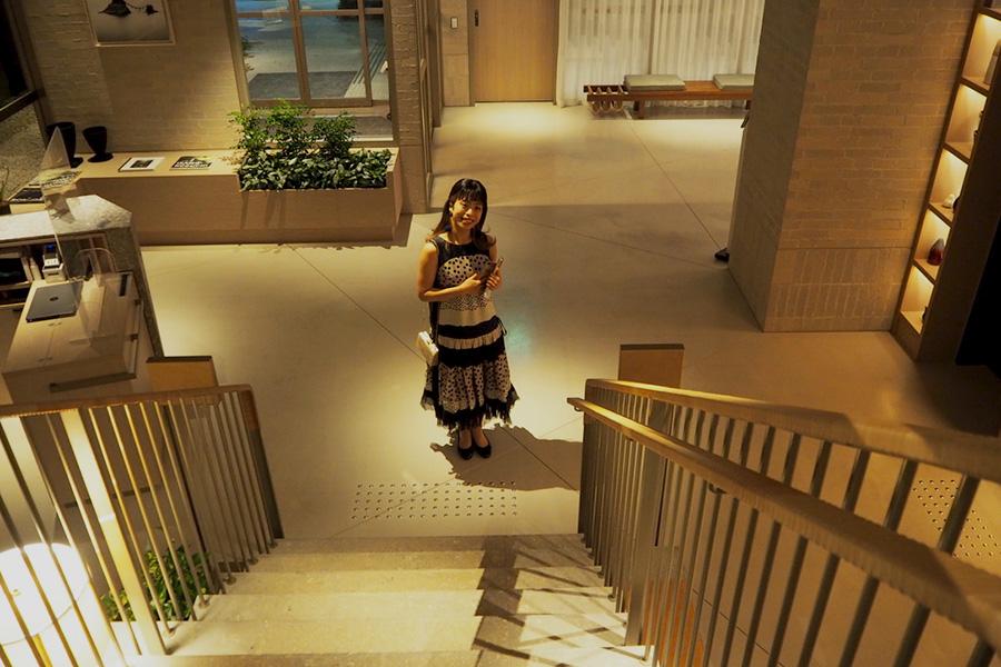 ドレスを着て写真を撮れるスポットは館内にたくさん