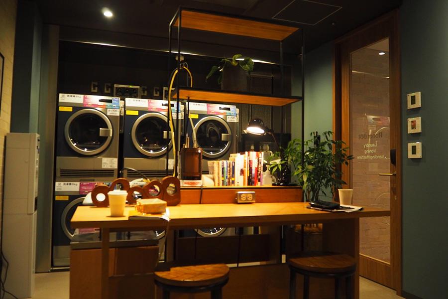多目的ルーム「Room 001」は「最高の身支度を整える場所」として、ランドリー、アイロン、靴磨きなど身支度に必要なものが揃う部屋