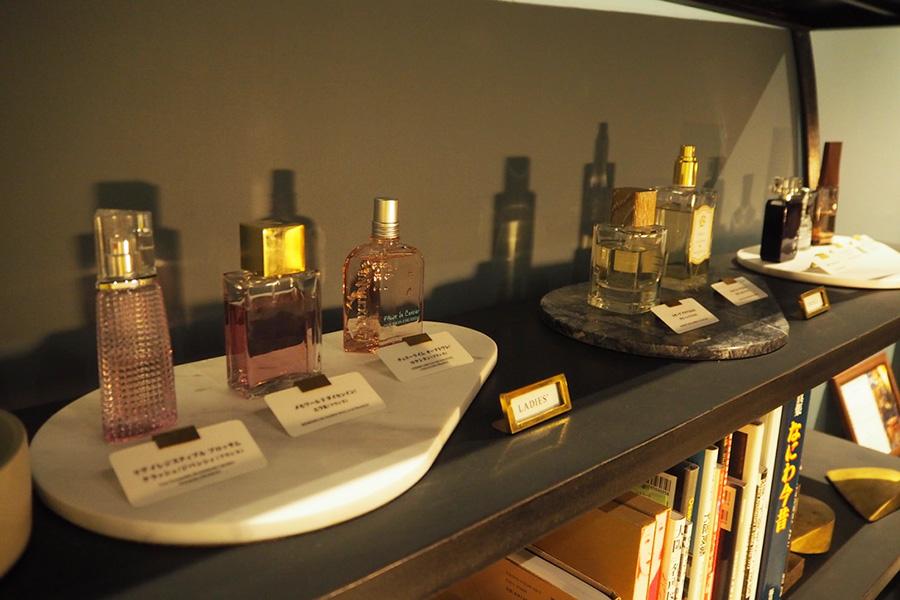 多目的ルーム「Room 001」にはパフュームバーもあり、好みの香水と出会える場ともなっている