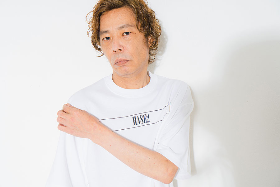 HASE2 TEE(白・黒/各4950円)