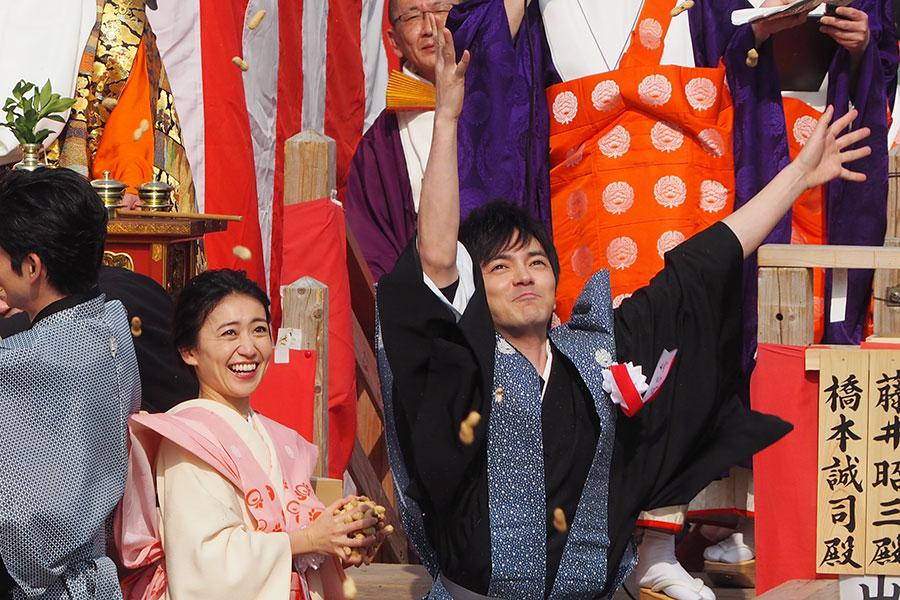節分祭に参加する大島優子と林遣都(2020年2月3日・成田山不動尊)