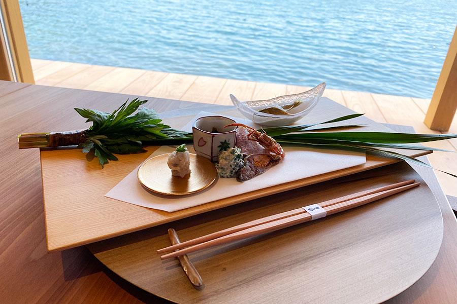 コースの一例。鮒の子付きなますなど、琵琶湖の幸が詰まった八寸