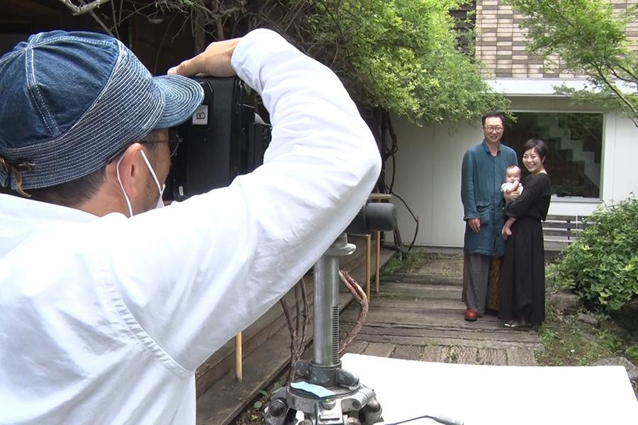 自然体でなごやかな雰囲気の伊東さんの撮影会(C)ABCテレビ