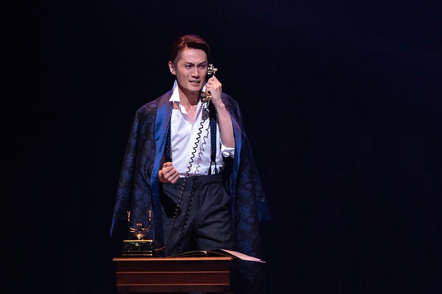 初演ではラドゥーとアルマンの二役を演じた加藤和樹が、再演ではラドゥー役に専念。撮影:岡千里