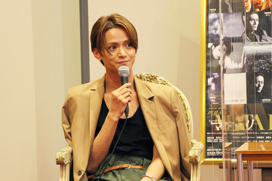 「東京、刈谷(愛知)の千秋楽で浴びた拍手がたまらなかった」と話す三浦。「大阪での千秋楽ではどうなるのだろう」と思いを馳せていた