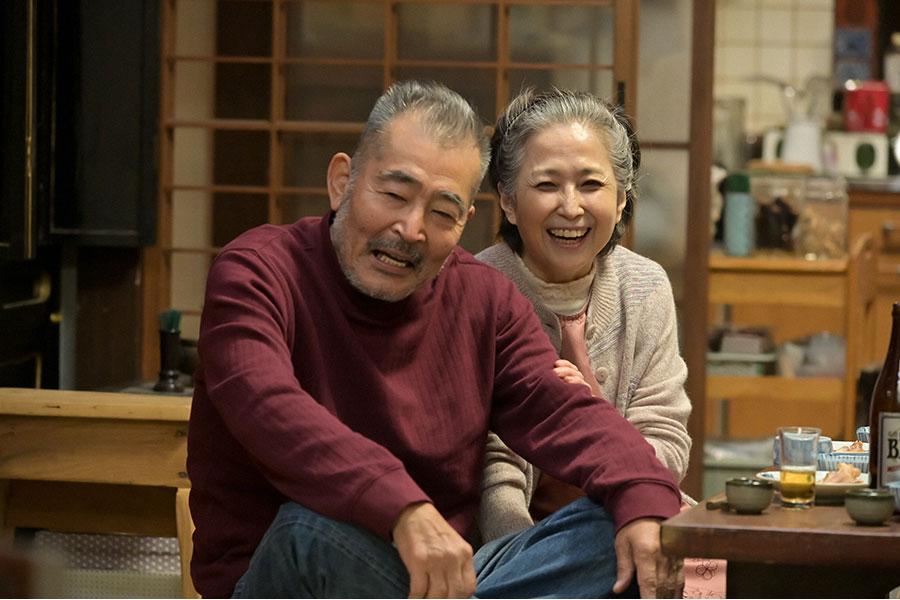 百音の祖父・龍己(藤竜也)と祖母・雅代(竹下景子)(C)NHK