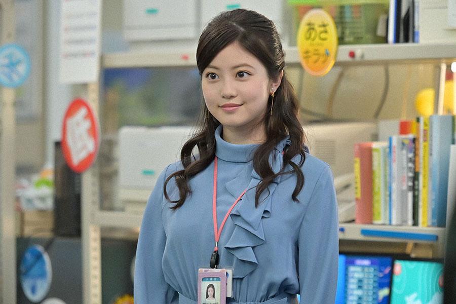 若手気象予報士の神野マリアンナ莉子(今田美桜)(C)NHK