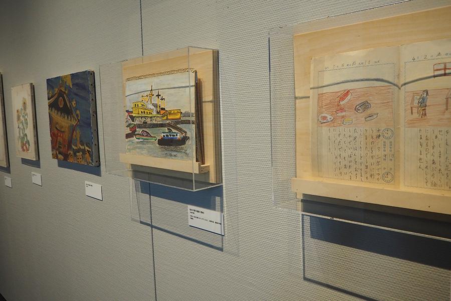 幼少期の原田氏の作品。油絵や絵日記など