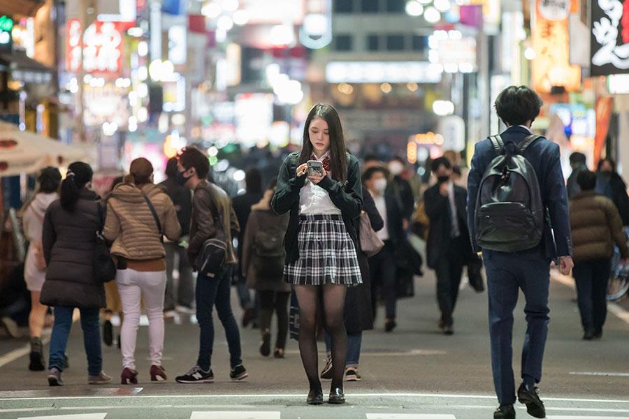 元女子高生の殺し屋・ちさと(高石あかり)(C)2021「ベイビーわるきゅーれ」製作委員会