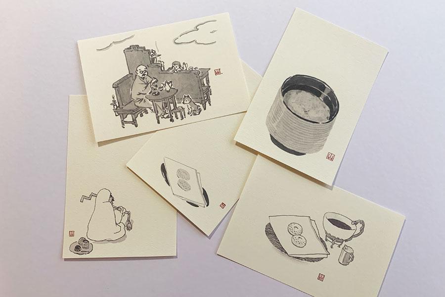 オリジナルポストカード5枚セット 1000円。「お菓子とお茶のある風景」をテーマに、2013年に山口晃画伯が鍵善良房のために描き下ろした作品。こちらの原画は、美術館のほかに、ZENCAFE、鍵善良房本店でも展示されている