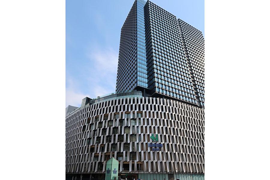 2021年10月にグランドオープン予定の阪神梅田本店(2021年8月1日撮影)