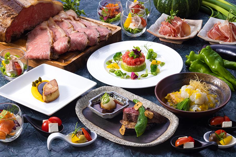 約60種のメニューに加え、ホテルの人気レストランより1皿ずつ計4皿のスペシャルメニューも登場