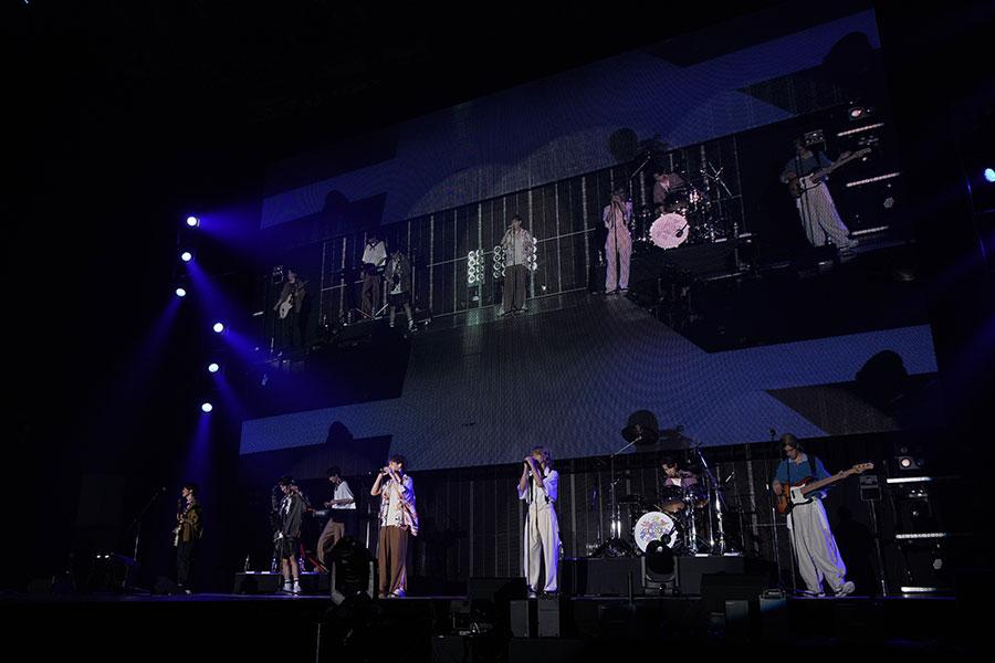 『関西コレクション』のライブステージに登場した7ORDER(5日・京セラドーム大阪)