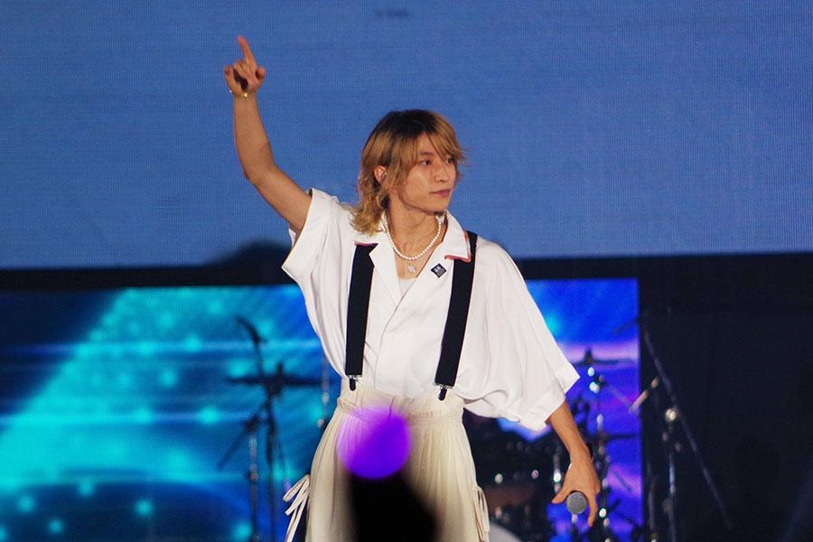 『関西コレクション』のライブステージに登場した7ORDERの阿部顕嵐(5日・京セラドーム大阪)