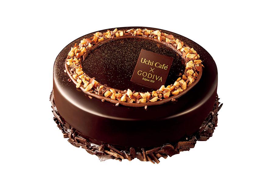「ゴディバ」×「ローソン」のクリスマスケーキ「ノエルショコラ 4号」(4950円)。ガトーショコラとチョコムースの濃厚な味わいに、アーモンドの食感をプラス。