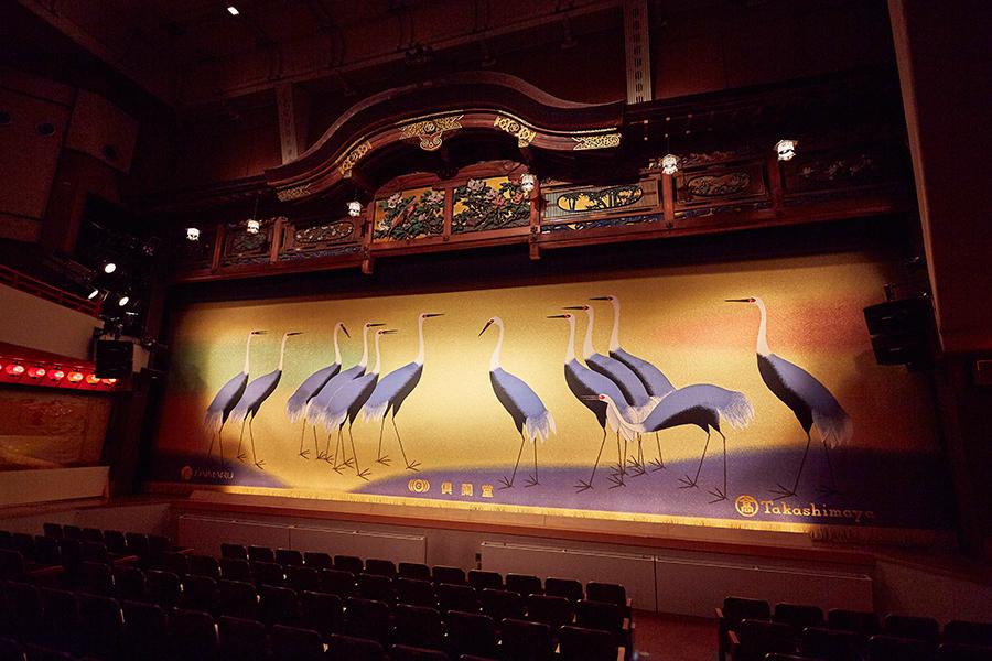 宮川歌舞練場の舞台