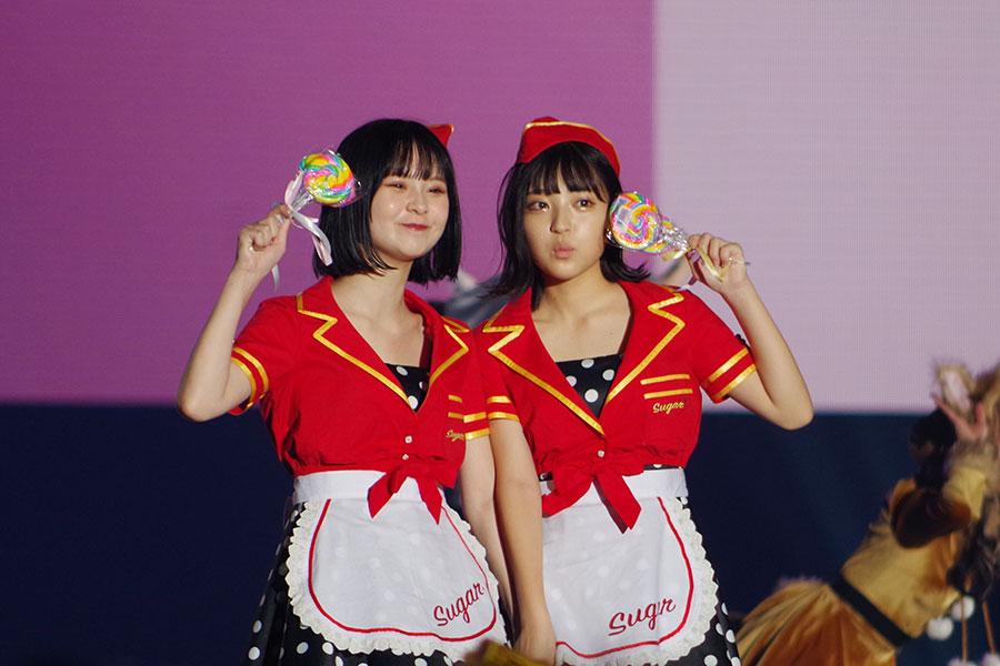 さくら(左)、MINAMI(5日・大阪市内)