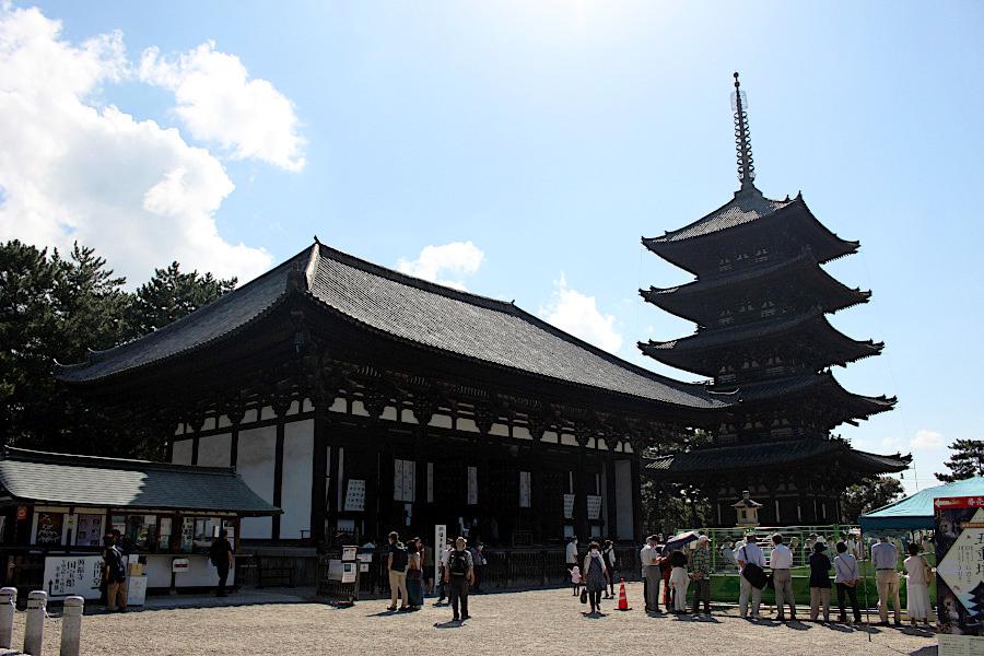 約120年ぶりの大規模修理前に特別公開される世界遺産・興福寺の五重塔(国宝)(2021年10月9日撮影)