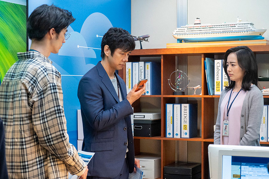 左から内田(清水尋也)、朝岡(西島秀俊)、野坂(森田望智)(C)NHK