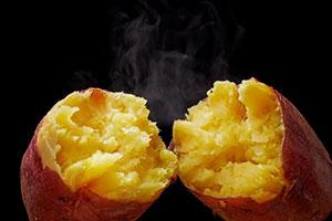 ローソンのレジ横に焼き芋が仲間入り、専用オーブンでしっとり